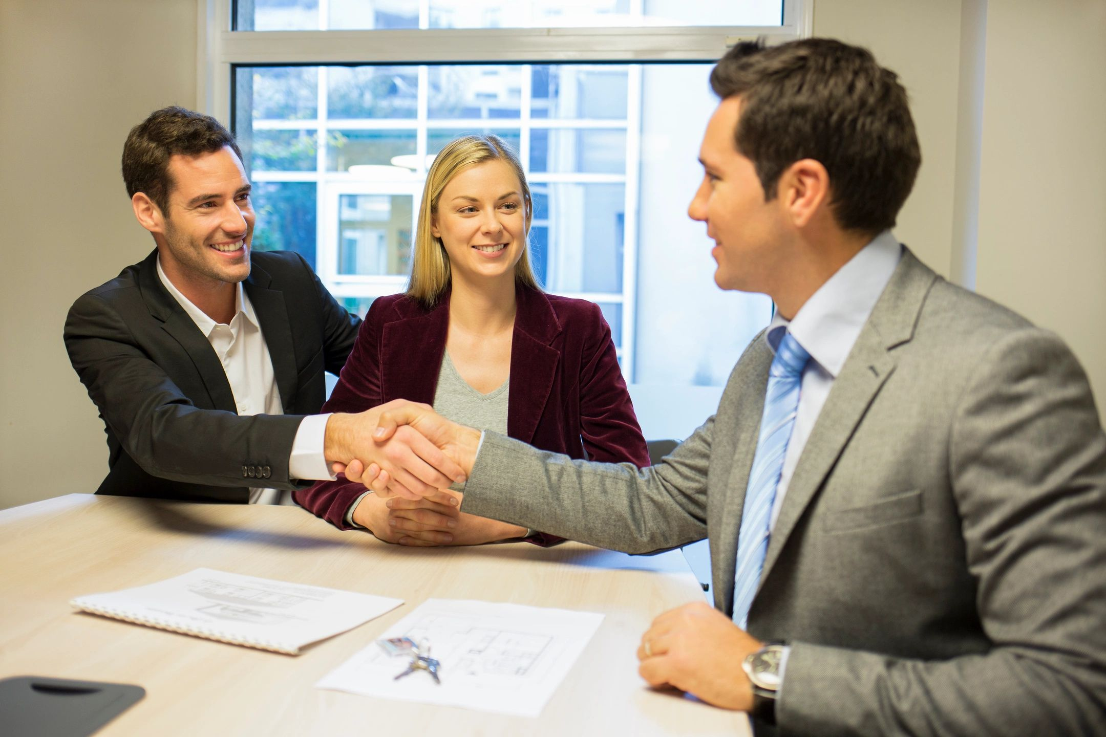 Hard Money Lenders working with real estate brokers to close a deal
