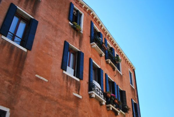 hard money loans in Phoenix Arizona are great for investing in condos
